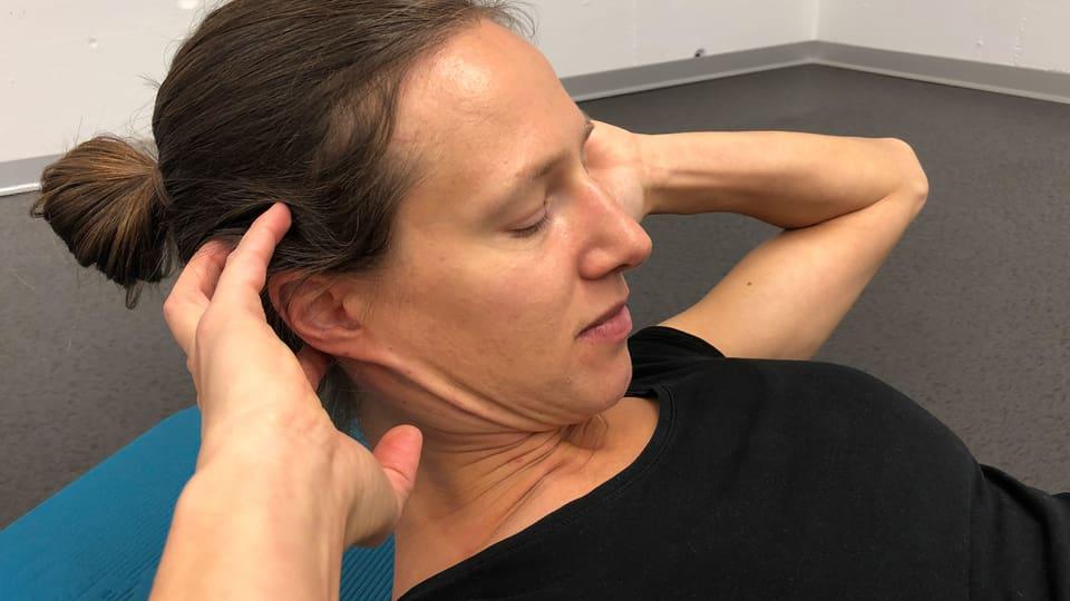 Rumpfbeugen: Fehler Kopfhaltung