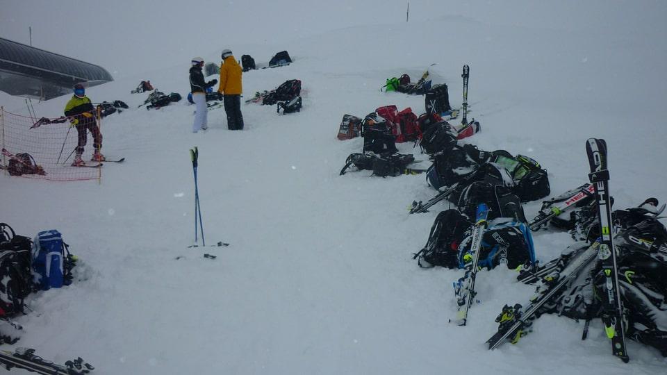 Skis ch'èn deponidas.