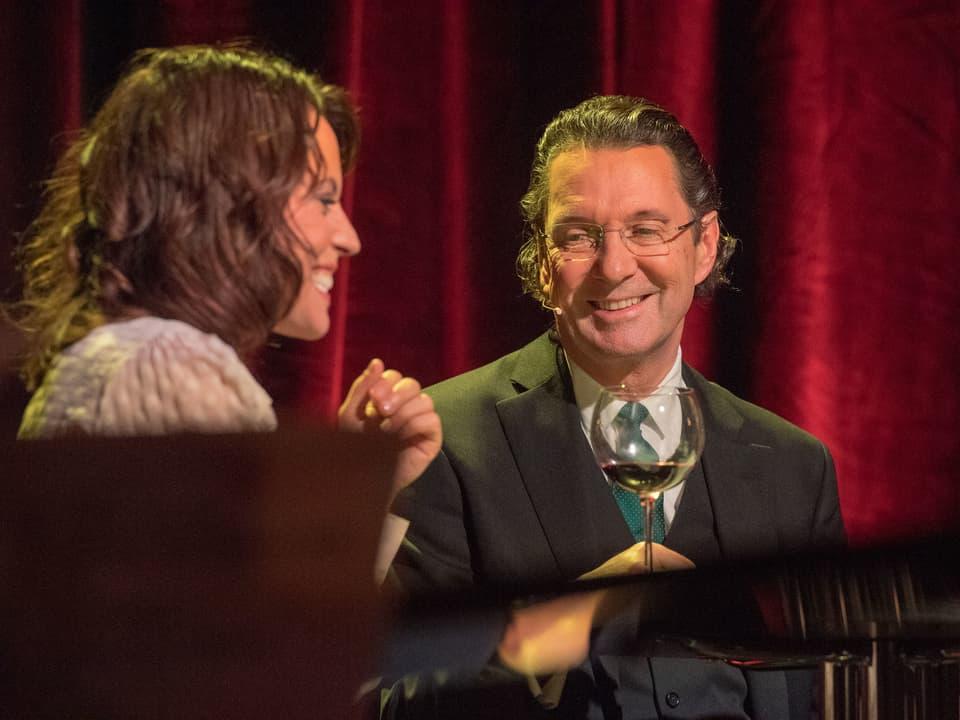 Martin Suter und Mona Vetsch.