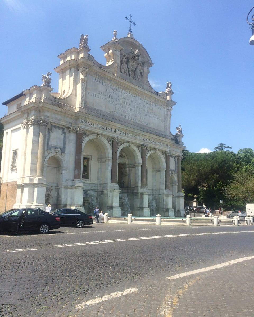 Il Fontanone – sin la collina Gianicolo.