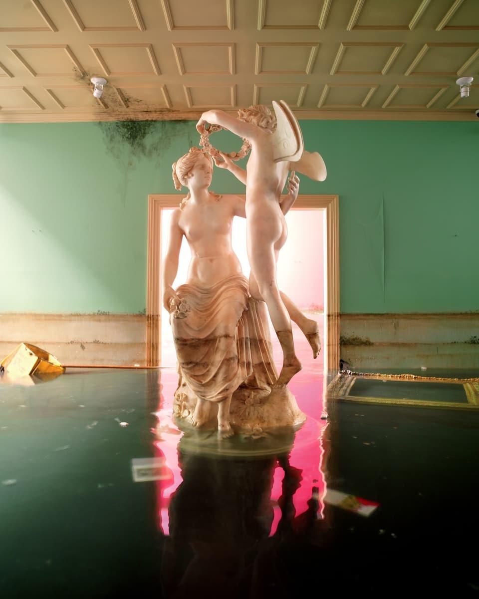 David LaChapelle – Statue