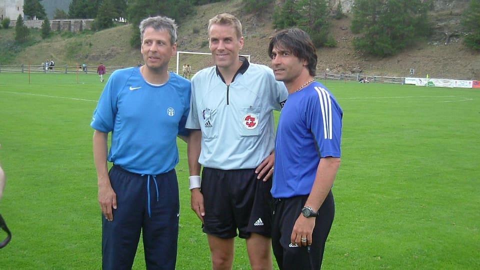 Tschivlà gieus dal FCZ cun il trenader Lucien Favre.