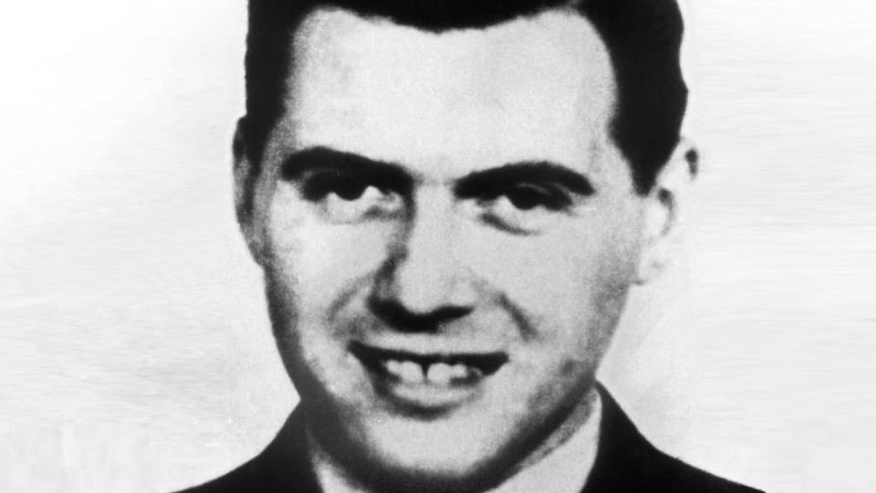 Ein Porträt in Schwarzweiss von Josef Mengele.