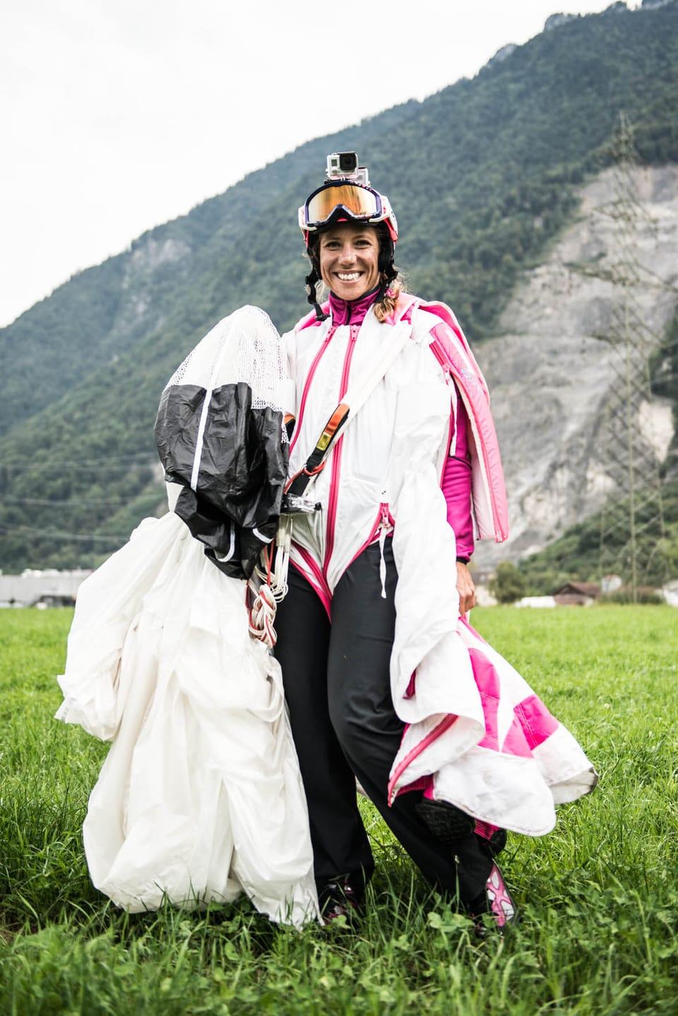 Géraldine Fasnacht stürzt sich von Berghängen. Sie ist nicht suizidgefährdet sondern Basejumperin. Wenn das Wetter stimmt springt sie bis zu zehn Mal pro Woche.