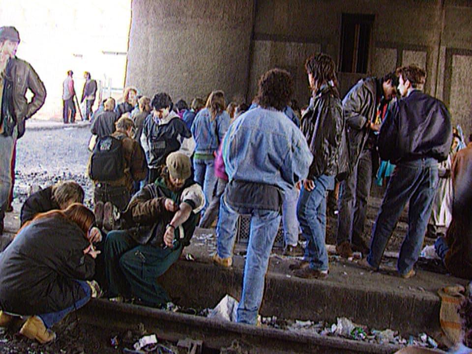 Junkies unter der Lettenbrücke, 1994.