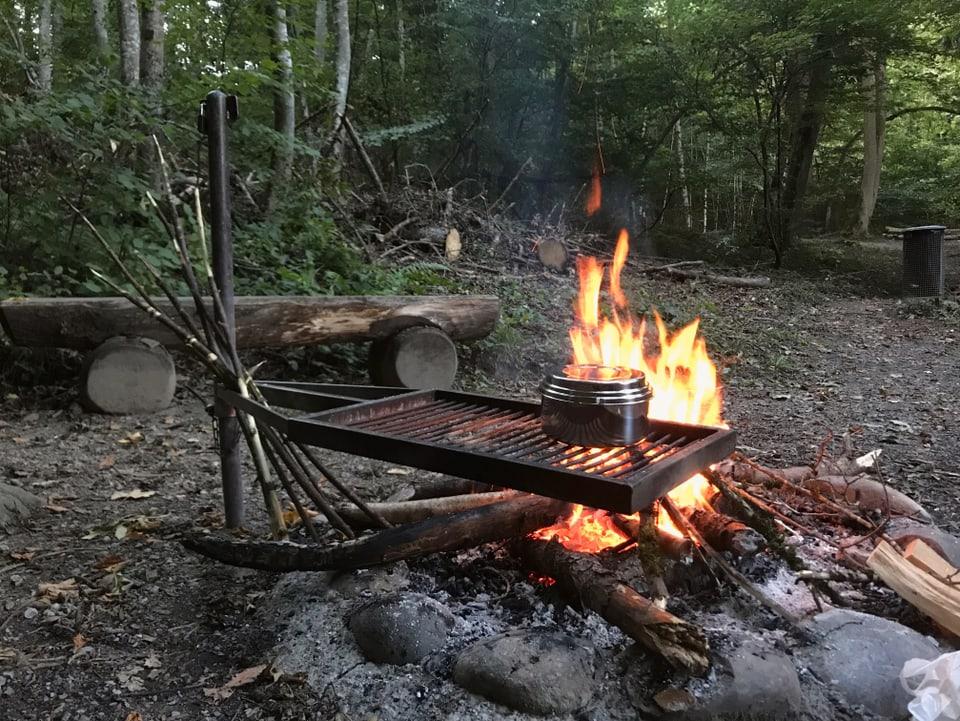 Topf auf Feuer