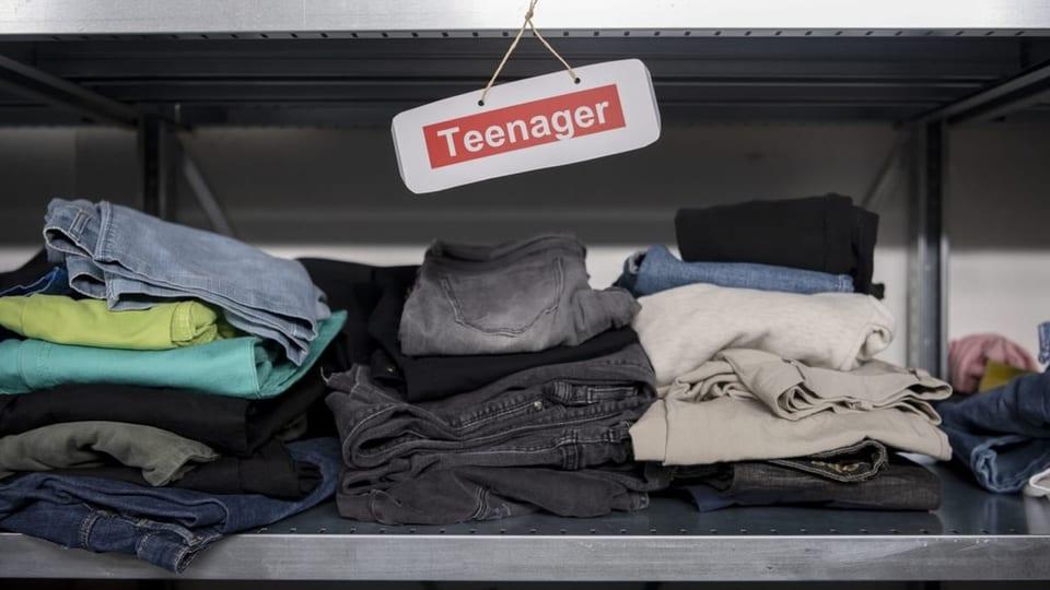 Kleider für Jugendliche im Asylzentrum Embrach