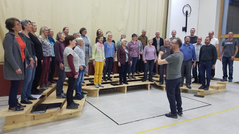 Il «Cor maschado Donat a danturn» sut la direcziun da Martin Ulber