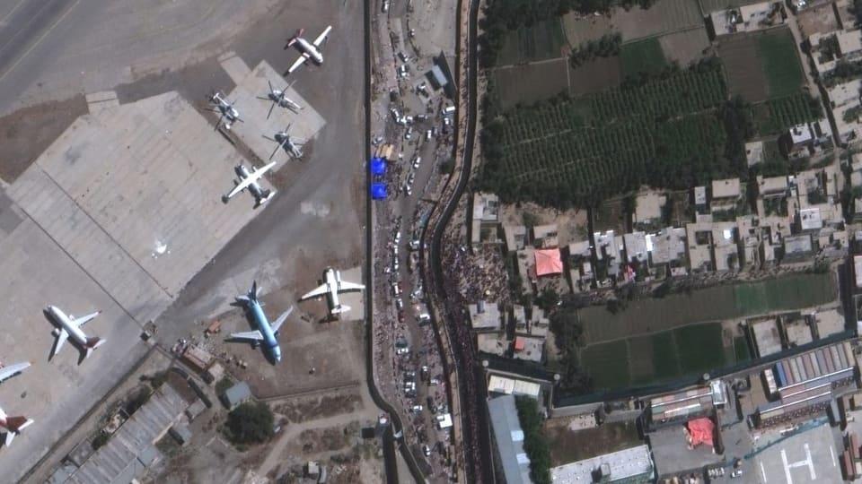 Der Flughafen von Kabul aus der Luft
