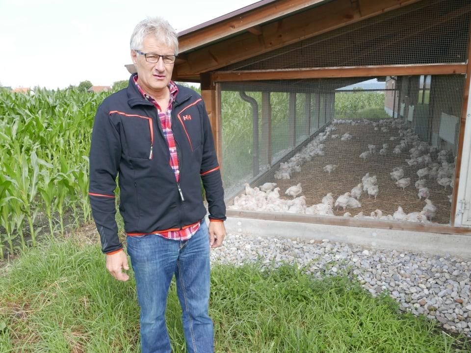 Bauer Robert Raval mästet seit knapp 30 Jahren Poulets.
