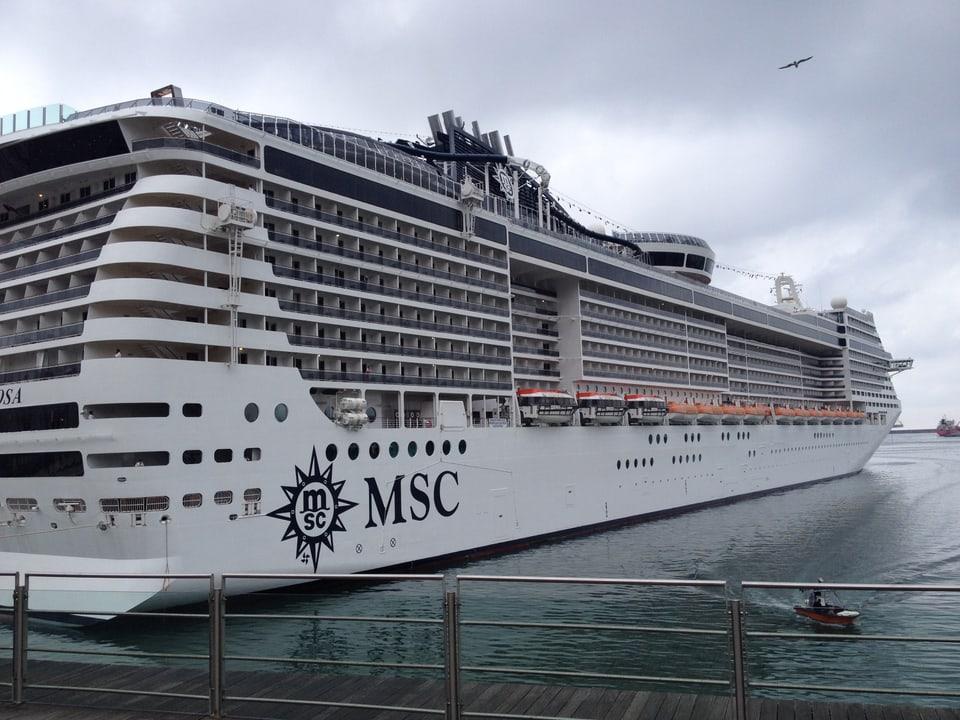 Cruschera al port da Genova.