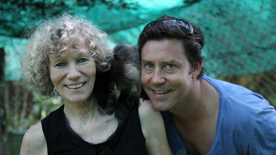 Sven trifft Margit Cianelli, Leiterin der Lumholtz Lodge bei Atherton und ein Baumkänguru.
