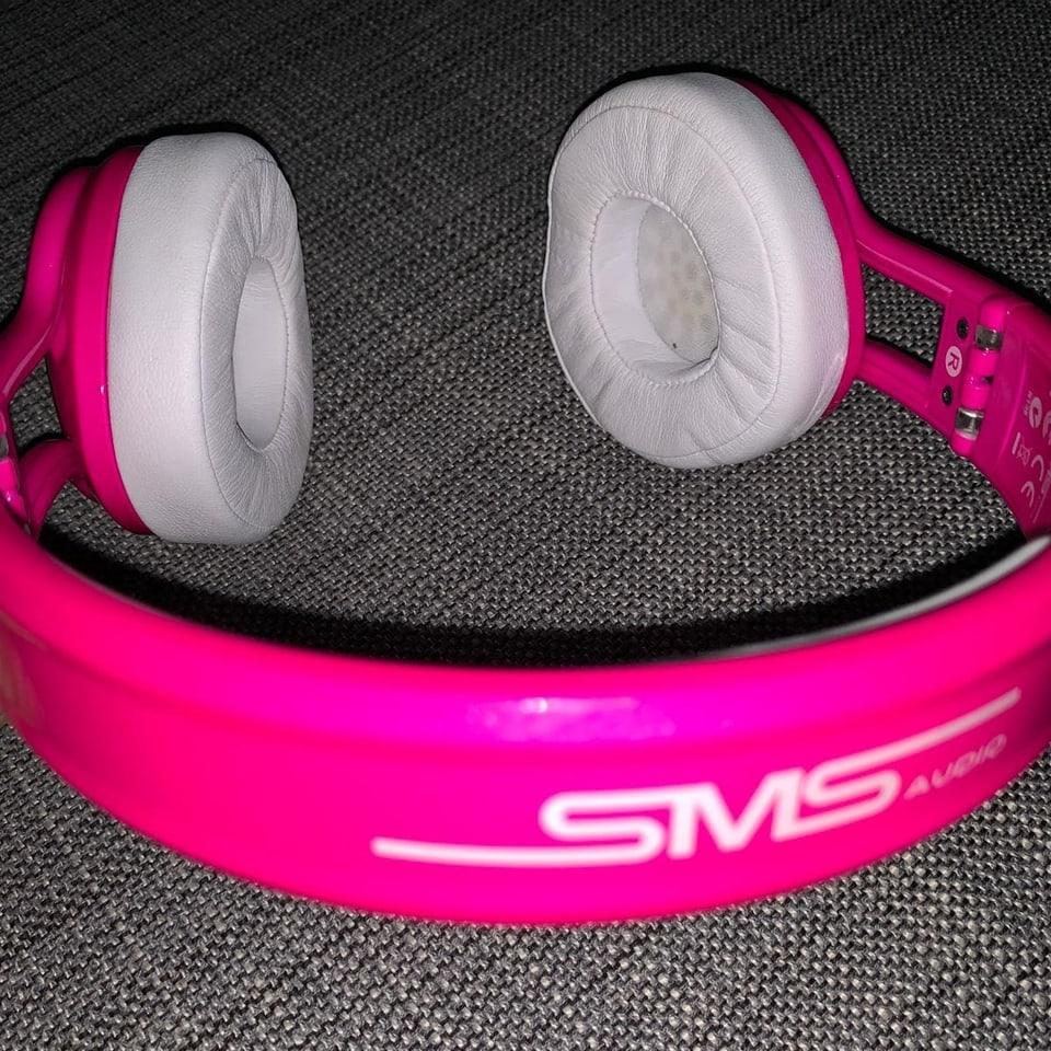Pinker Kopfhörer