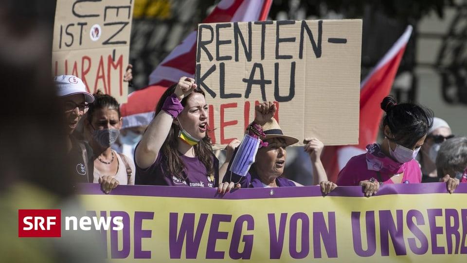 Bewilligte Kundgebung - Tausende protestieren in Bern gegen Rentenabbau