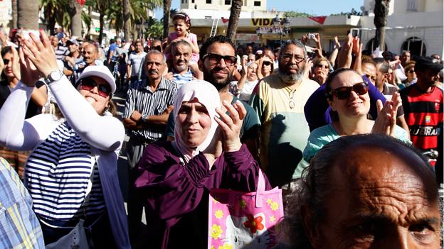 Anhänger des Partei «Ruf Tunesiens» applaudieren.