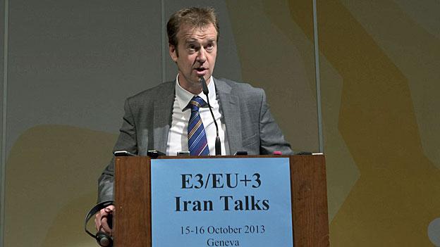 Michael mann, der Sprecher der EU-Aussenbeauftragten Catherine Ashton an einer Medienkonferenz in Genf.