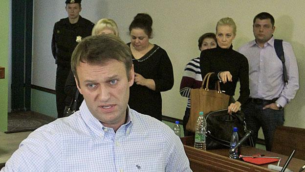 Oppositionspolitiker Alexej Nawalny am 16. Oktober im Gerichtsgebäude von Kirow.