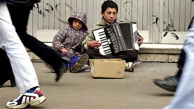 Strassenkinder in der rumänischen Hauptstadt Bukarest.