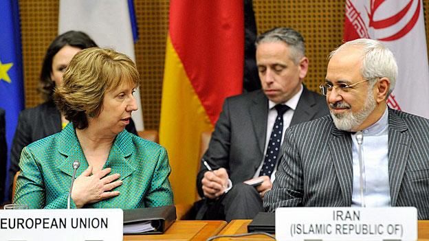 Die EU-Aussenbauftragte Cathherine Ashton und der iranische Aussenminister Javad Zarif in Wien.