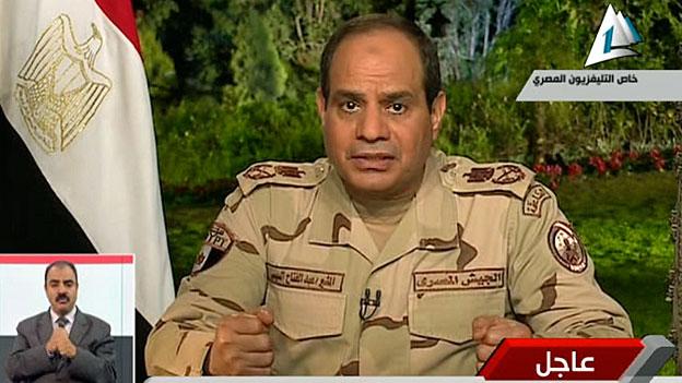 Der ägyptische Armeechef, General Abdel-Fattah al-Sisi, bei seinem TV-Auftritt am Mittwochabend.