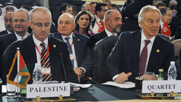 Der palästinensische Ministerpräsident (links) an der Geberkonferenz für Gaza.