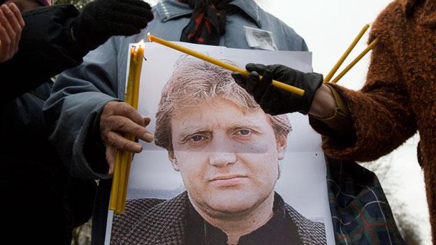 Versammlung zum Gedenken an den Tod des ehemaligen russischen Staatssicherheitsoffizier Alexander Litwinenko in Moskau. Litwinenko starb am 23. November 2006, nachdem er mit hoch radioaktivem Polonium 210 vergiftet wurde.
