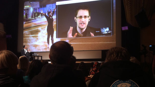 Edward Snowden via Skye am internationalen Menschenrechtsfilmfestival in Genf.