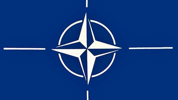 Die Nato wird auf 40'000 Mann aufgestockt. Das wurde am Verteidigungsminister-Treffen bekannt gegeben. So soll das Nato-Mitglied Türkei beruhigt werden.