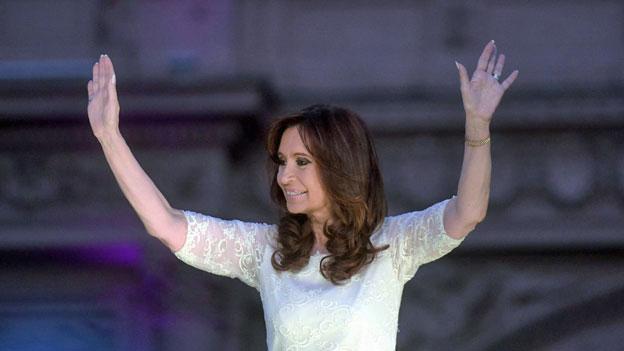 Cristina Kirchner verabschiedet sich von ihren Anhängerinnen und Anhängern.