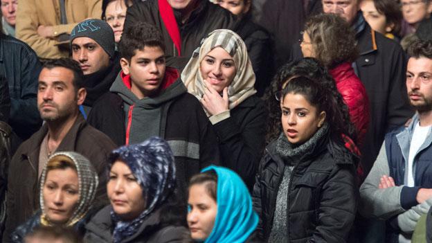 Flüchtlinge sollen leichter arbeiten dürfen und mehr Hilfe bei der Integration erhalten. Symbolbild.
