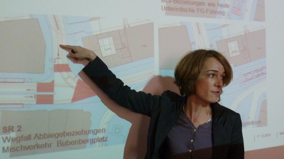 Mehr Platz für Bahnreisende am Berner Bubenbergplatz: Gemeinderätin Ursula Wyss erklärt die Pläne.