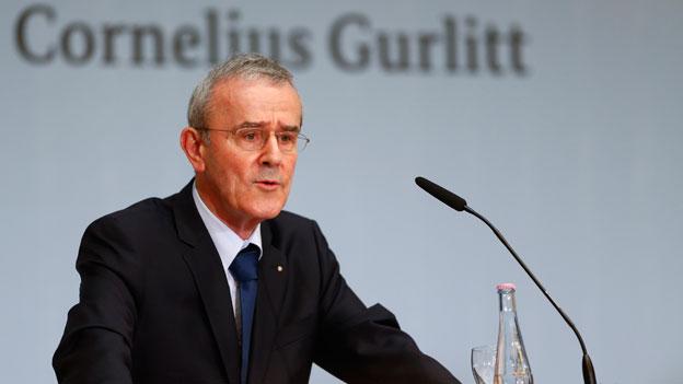 Der Stiftungsratspräsident des Berner Kunstmuseums Christoph Schäublin gibt am 24. November 2014 in Berlin den Entscheid bekannt.