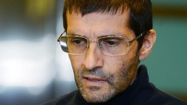 Lorenzo Vinciguerra spricht zu den Medien nach seiner Ankunft auf dem Flughafen Zürich am 12. Dezember 2014.