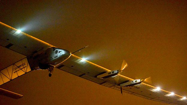 Die «Solar Impulse» beim Start zur längsten und schwierigsten Etappe, am 30. Mai in Nanjing.