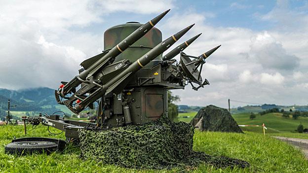 Unter anderem soll das Fliegerabwehrsystem länger genutzt werden, damit bis zur Einführung eines Nachfolgesystem keine Lücke entsteht. Dazu sind Umrüstungen nötig – für 98 Millionen Franken.