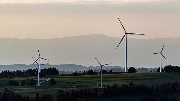 Die Landschaftsschützerinnen und -schützer wehren sich gegen die Vorwürfe, sie trügen die Schuld daran, dass die Schweizer Windkraftwerke nicht in die Gänge kommen.