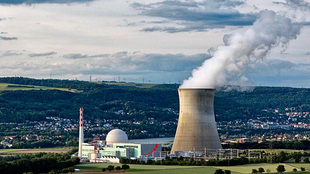 AKW Leibstadt - das jüngste der fünf Schweizer Atomkraftwerke könnte noch lange in Betrieb sein; es ging 1984 in Betrieb.