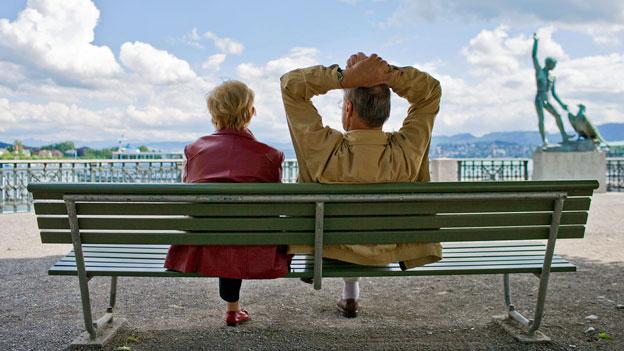 Nicht alle Schweizerinnen und Schweizer, die im Ausland leben, können freiwillige Beiträge in die AHV einzahlen.