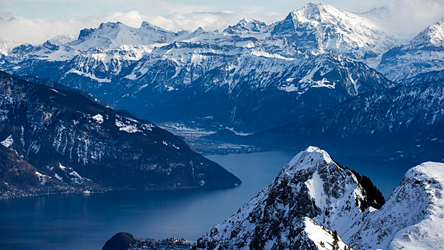 85 Prozent der Gäste auf dem Stockhorn sind Tagestouristen aus der Schweiz. Die restlichen 15 Prozent sind Gäste aus dem Ausland, die in der Region Thunersee ihre Ferien verbringen. Bild: Aussicht vom Stockhorn.
