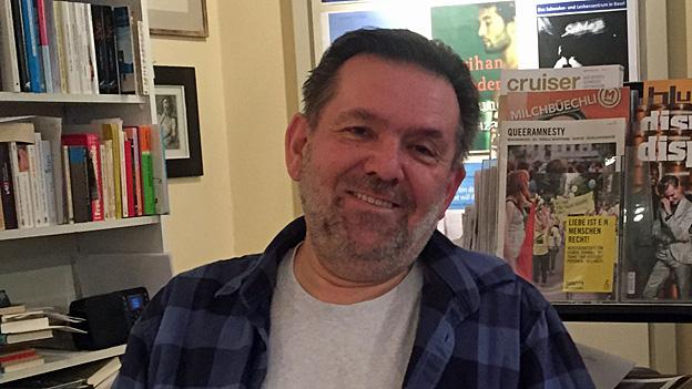 Damals in den 1970er-Jahren, als er den Laden eröffnete, hätte er nicht zu träumen gewagt, dass es irgendwann einmal derart viel Literatur zum Thema Homosexualität geben würde, sagt Buchhändler Peter Thommen.