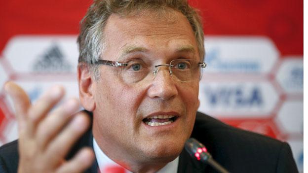 Die Fifa hat ihren Generalsekretär Jérôme Valcke mit sofortiger Wirkung bis auf weiteres von seinen Aufgaben entbunden.