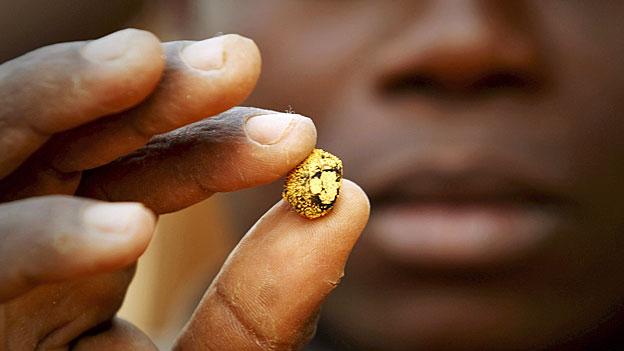 Als sicherer Hafen ist das Edelmetall Gold ganz einfach aus der Mode gekommen; auch, weil Inflation zurzeit kein Thema ist – sagt ein Experte.