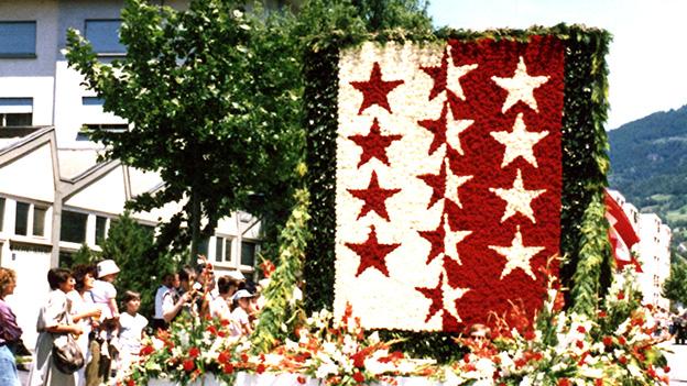 Audio «10'000 Blumen eröffnen 1987 den Jodlerfest-Umzug» abspielen.