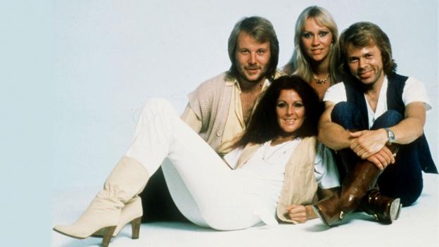 Laschar ir audio «ABBA: «Waterloo»».