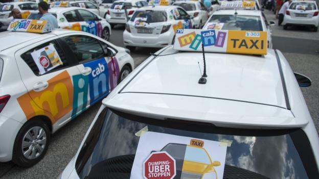 Basler Taxifahrer gegen Fahrdienst Uber: Demonstration im Sommer 2016.