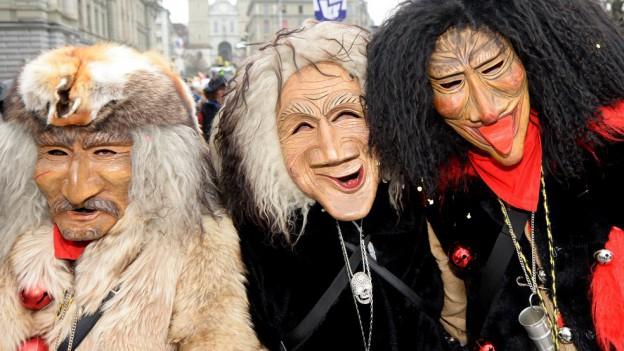 Fasnachtsfiguren in der Stadt Luzern.