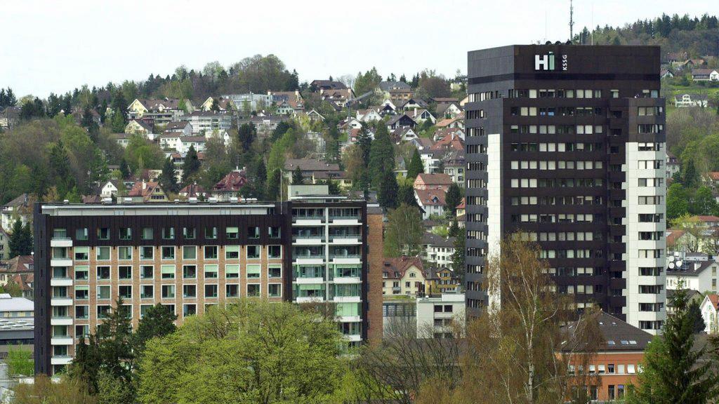 Das Kantonsparlament St. Gallen diskutiert über die Spital-Immobilien.