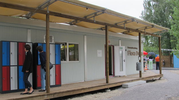 Auch die Türen zum Container der Beratungsstelle Flora Dora stand offen.