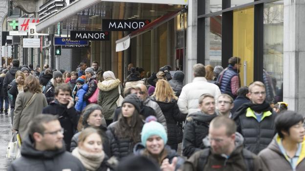 Viele Menschen nutzten den Sonntagsverkauf am 1. Advent.
