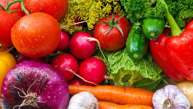 Die unterschiedlichen Farben beim Gemüse stehen auch für unterschiedliche Inhaltsstoffe.
